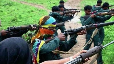 3 naxalites including militia commander surrender in Dantewada